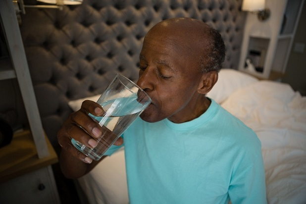 ways-prevent-dehydration-aging-adults